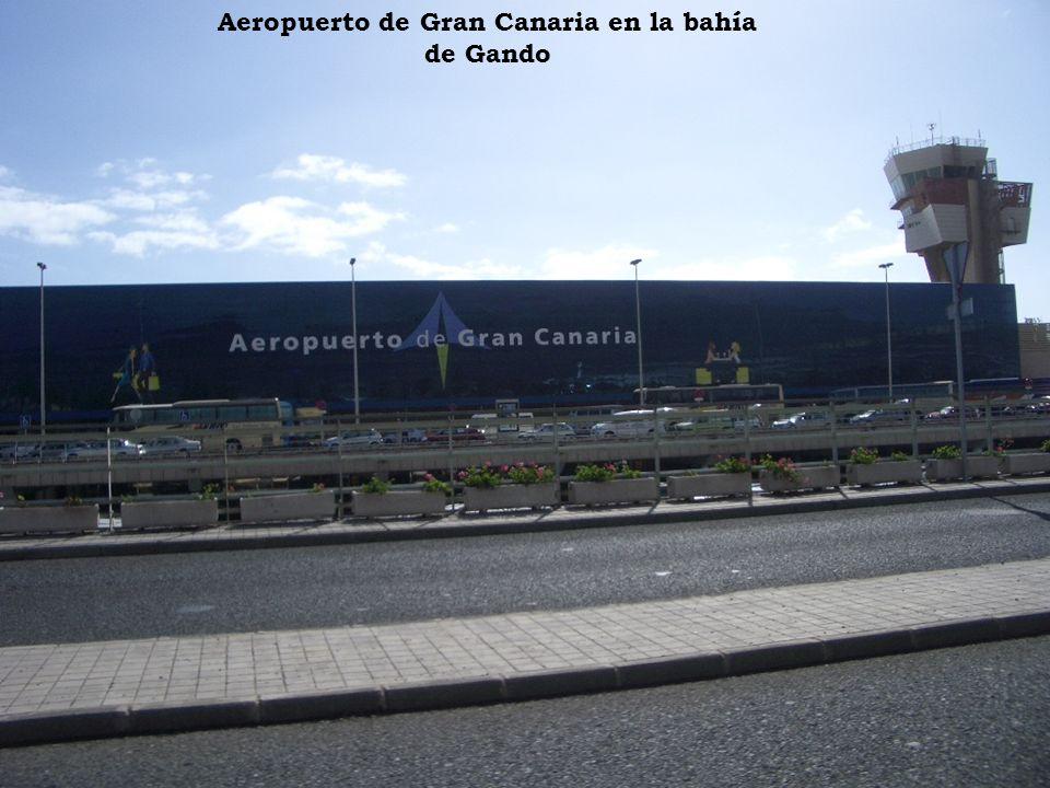 Aeropuerto de Gran Canaria en la bahía de Gando