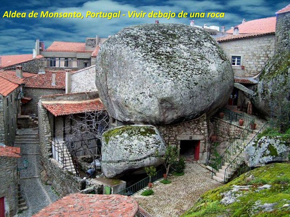 Aldea de Monsanto, Portugal - Vivir debajo de una roca