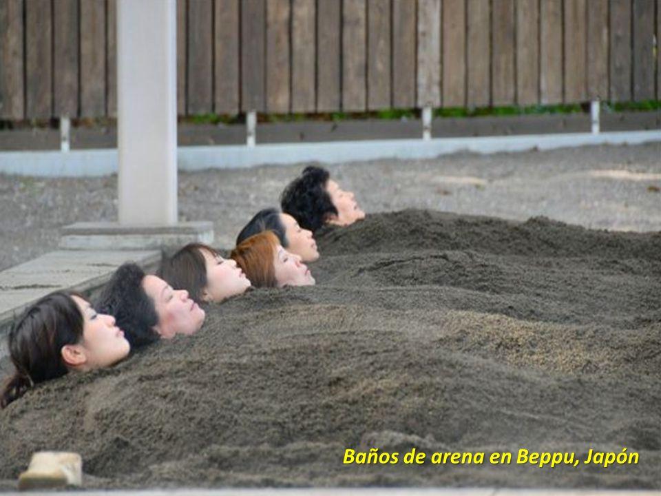 Baños de arena en Beppu, Japón