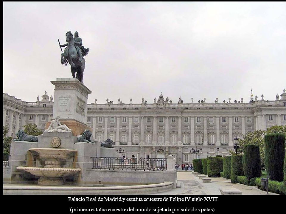 Palacio Real de Madrid y estatua ecuestre de Felipe IV siglo XVIII