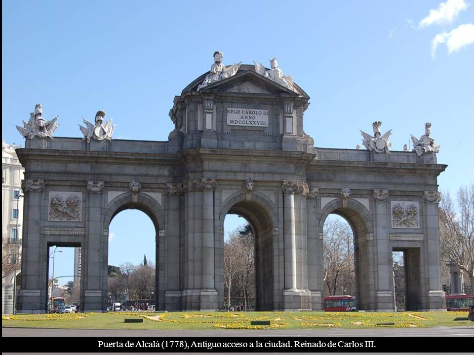 Puerta de Alcalá (1778), Antiguo acceso a la ciudad