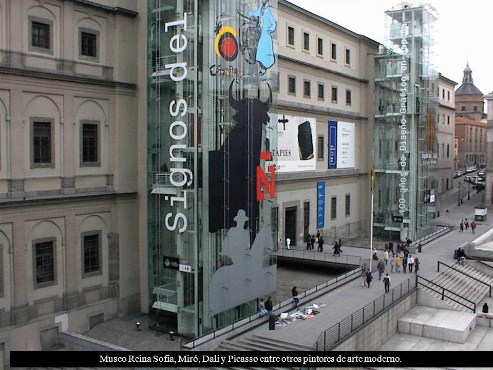 Museo Reina Sofía, Miró, Dalí y Picasso entre otros pintores de arte moderno.