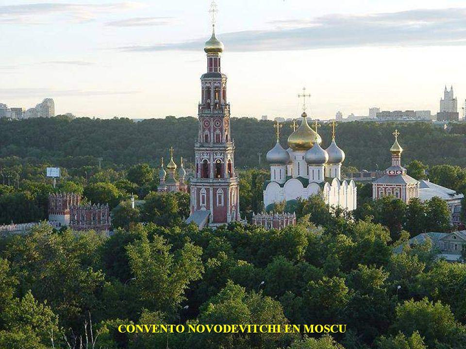 CONVENTO NOVODEVITCHI EN MOSCU