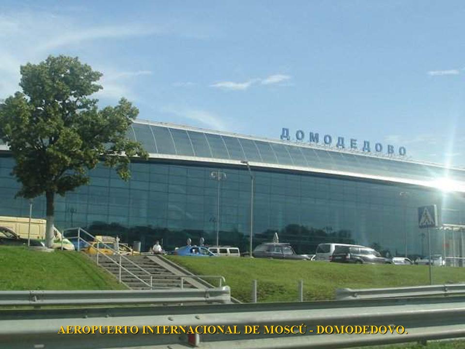 AEROPUERTO INTERNACIONAL DE MOSCÚ - DOMODEDOVO.