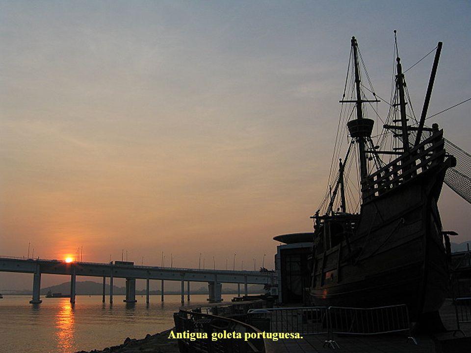 Antigua goleta portuguesa.
