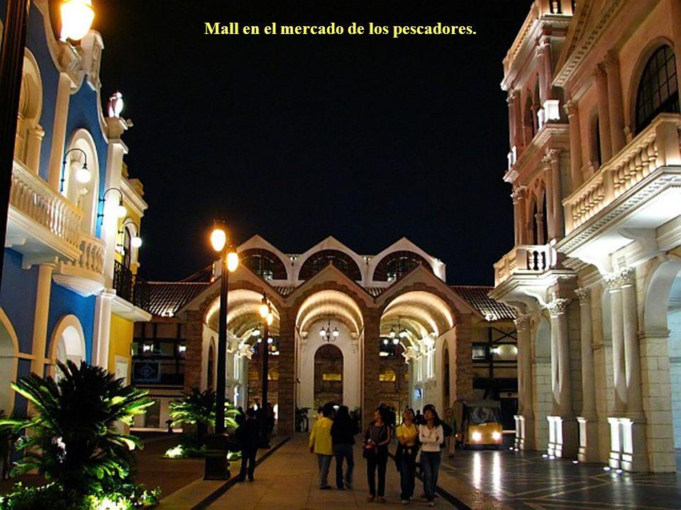 Mall en el mercado de los pescadores.