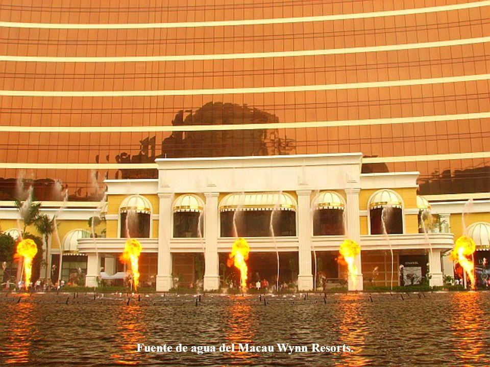 Fuente de agua del Macau Wynn Resorts.