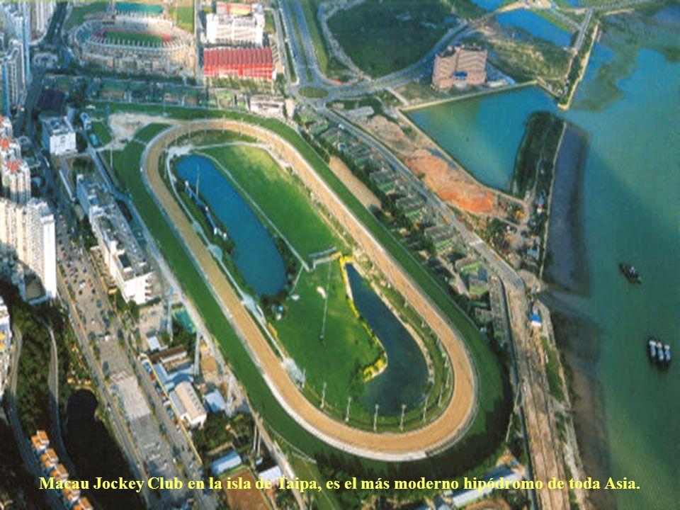 Macau Jockey Club en la isla de Taipa, es el más moderno hipódromo de toda Asia.