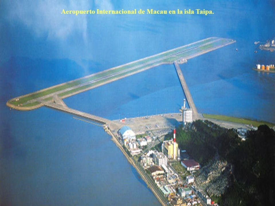 Aeropuerto Internacional de Macau en la isla Taipa.