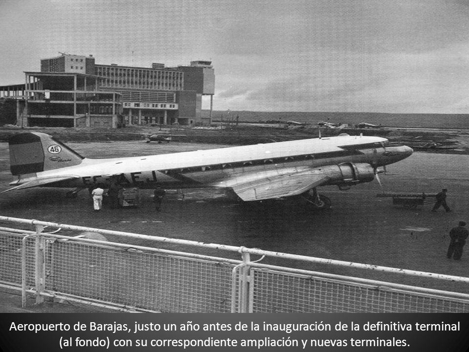 Aeropuerto de Barajas, justo un año antes de la inauguración de la definitiva terminal (al fondo) con su correspondiente ampliación y nuevas terminales.
