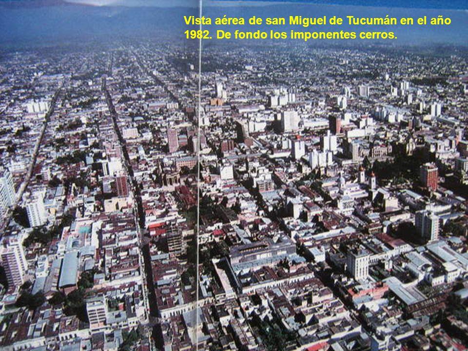Vista aérea de san Miguel de Tucumán en el año 1982