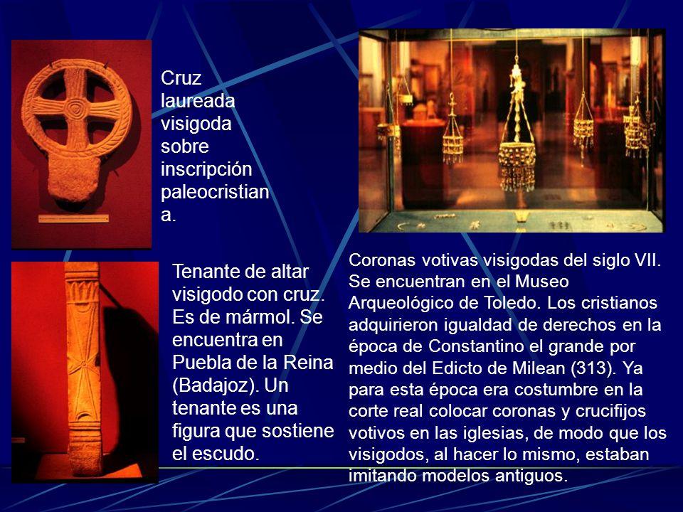 Cruz laureada visigoda sobre inscripción paleocristiana.