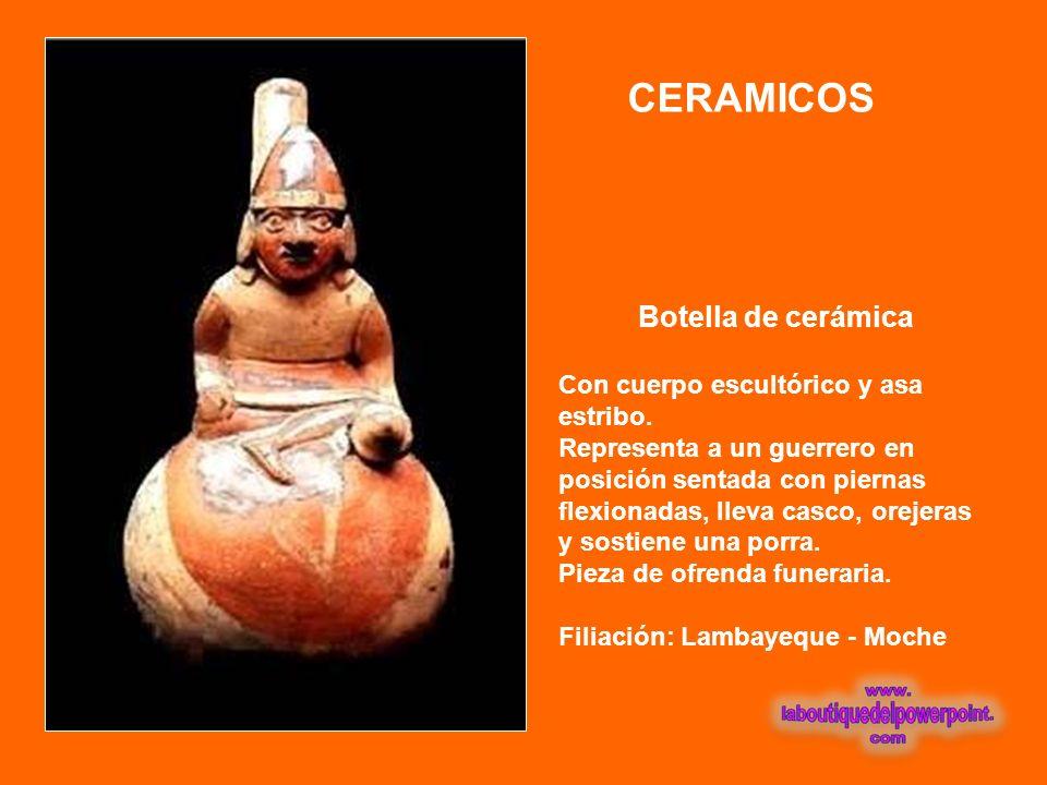 CERAMICOS Botella de cerámica Con cuerpo escultórico y asa estribo.