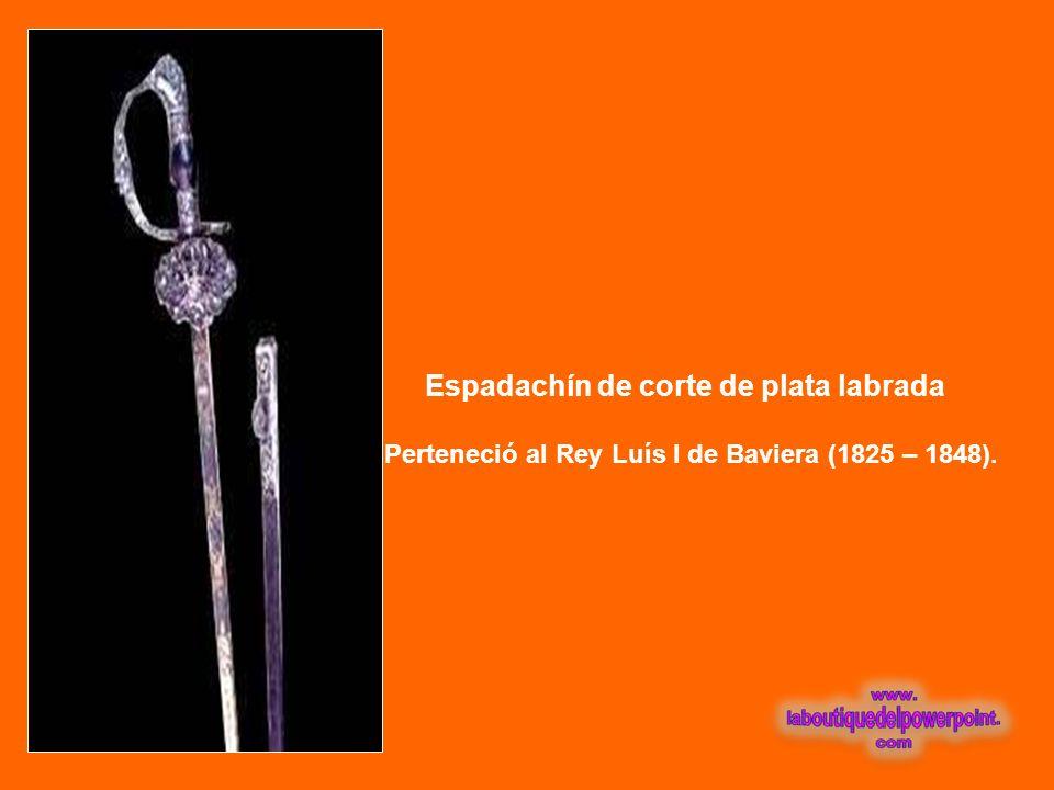 Espadachín de corte de plata labrada