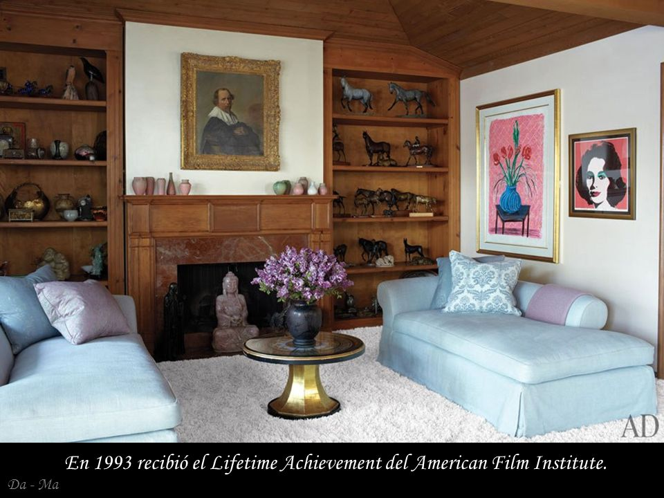 En 1993 recibió el Lifetime Achievement del American Film Institute.