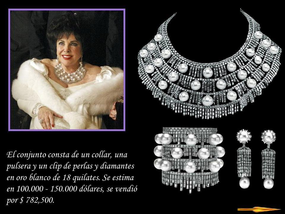 El conjunto consta de un collar, una pulsera y un clip de perlas y diamantes en oro blanco de 18 quilates.