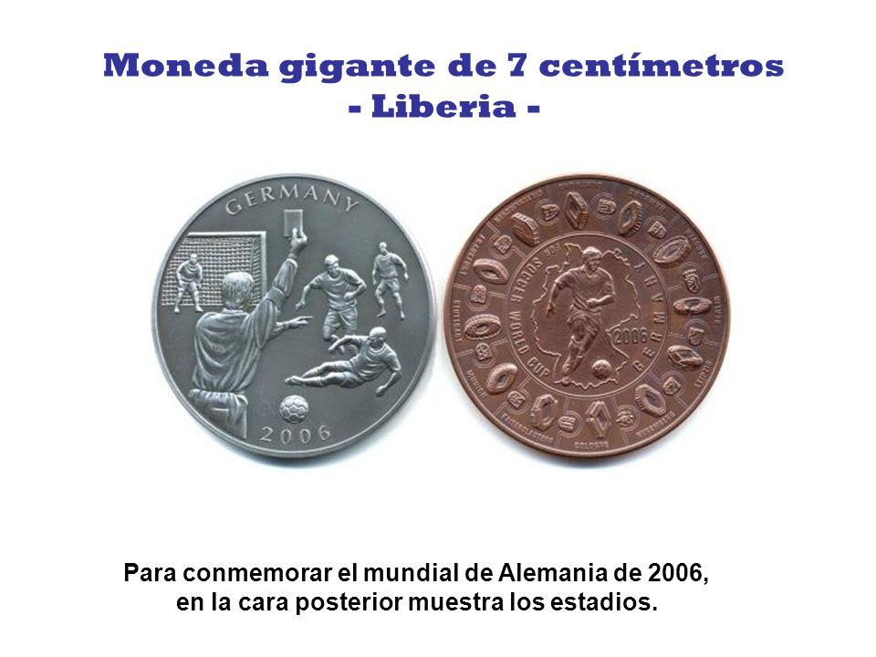 Moneda gigante de 7 centímetros