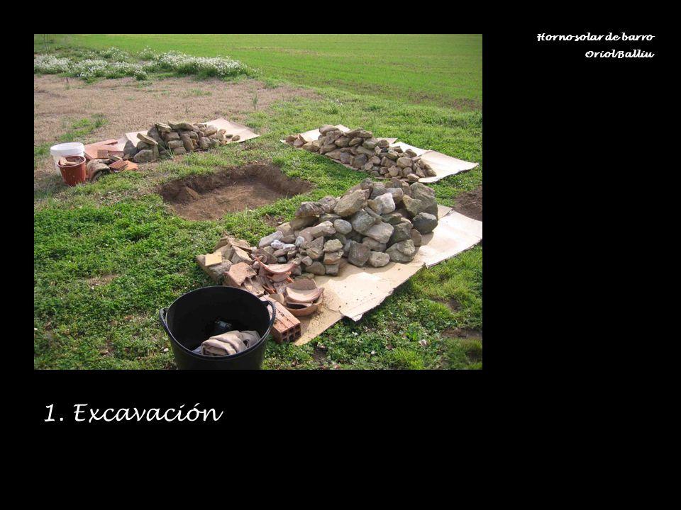 Horno solar de barro Oriol Balliu 1. Excavación