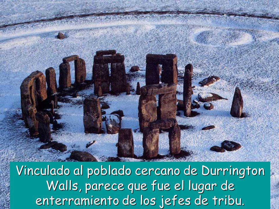 Vinculado al poblado cercano de Durrington Walls, parece que fue el lugar de enterramiento de los jefes de tribu.