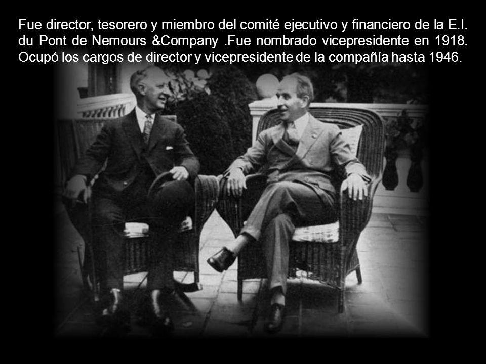Fue director, tesorero y miembro del comité ejecutivo y financiero de la E.I.