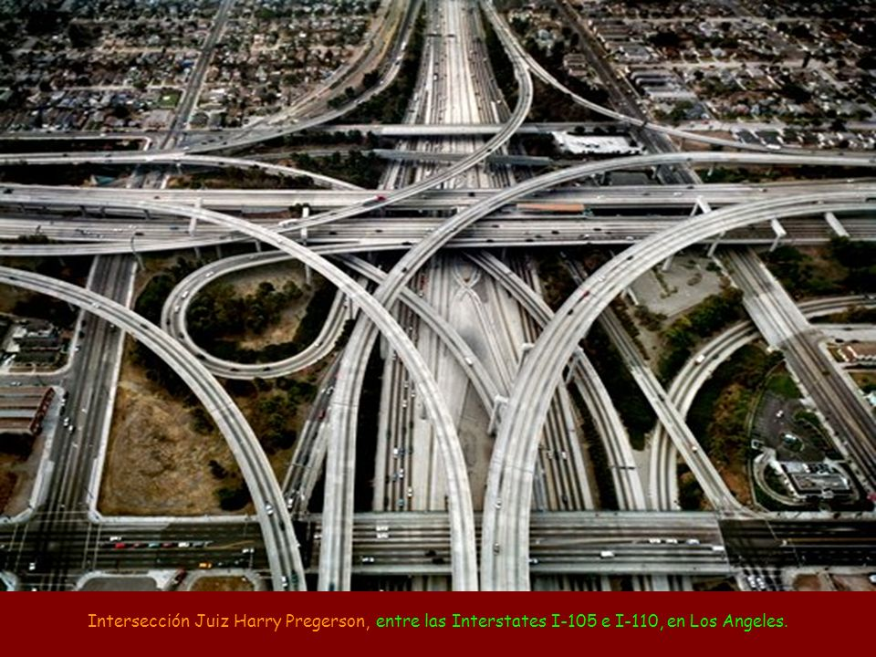 Intersección Juiz Harry Pregerson, entre las Interstates I-105 e I-110, en Los Angeles.