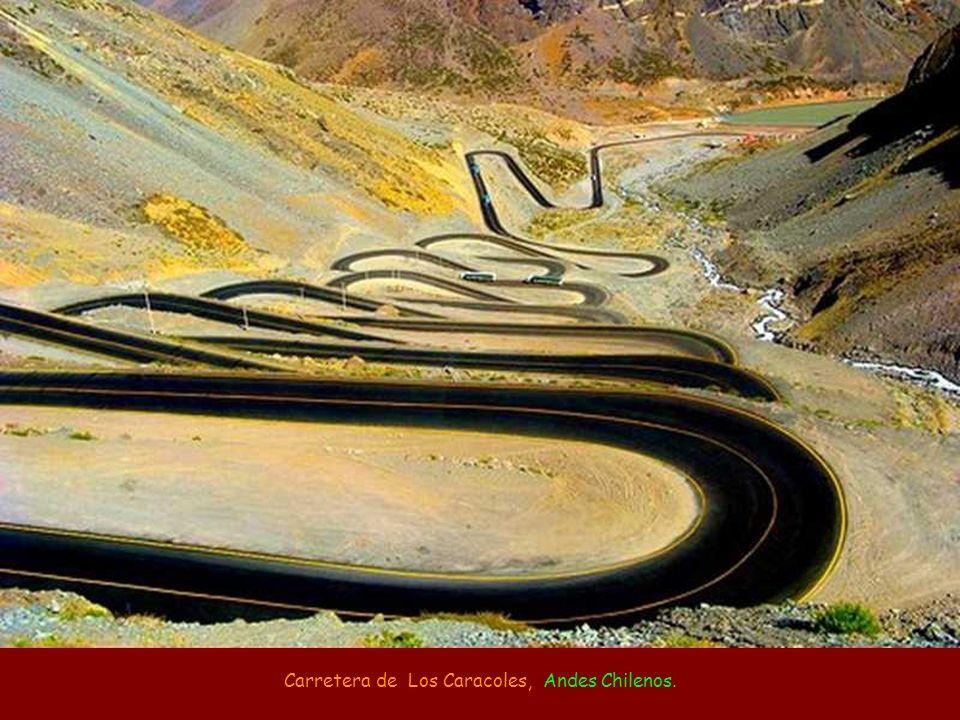 Carretera de Los Caracoles, Andes Chilenos.