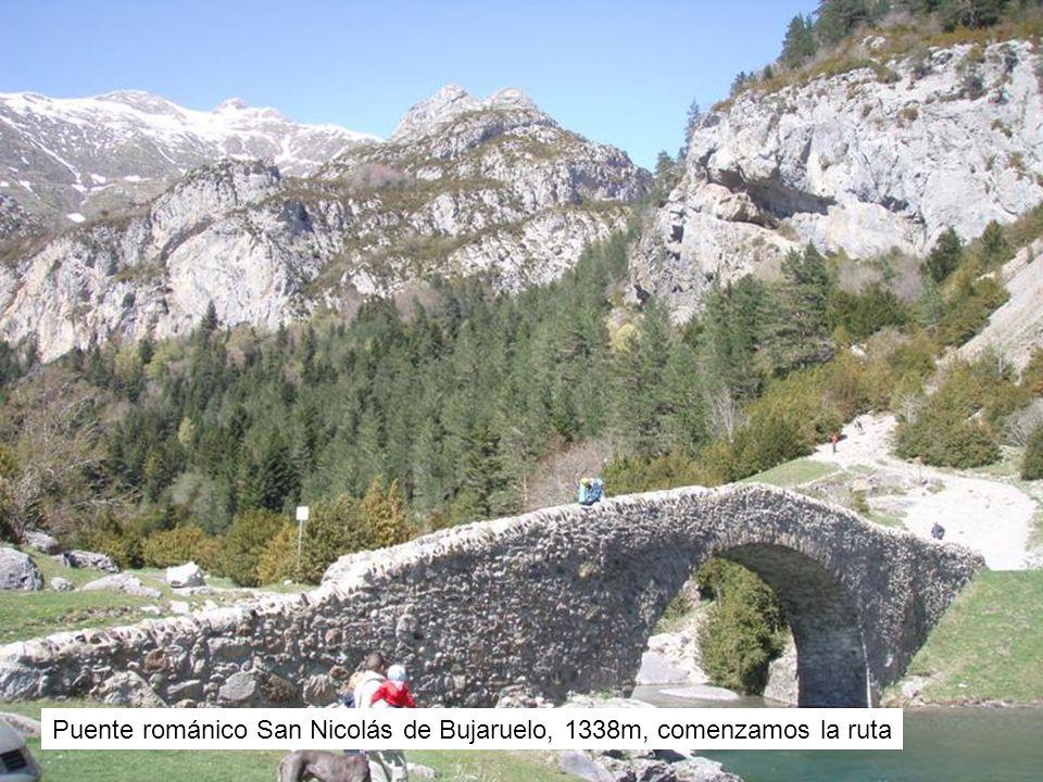 Puente románico San Nicolás de Bujaruelo, 1338m, comenzamos la ruta