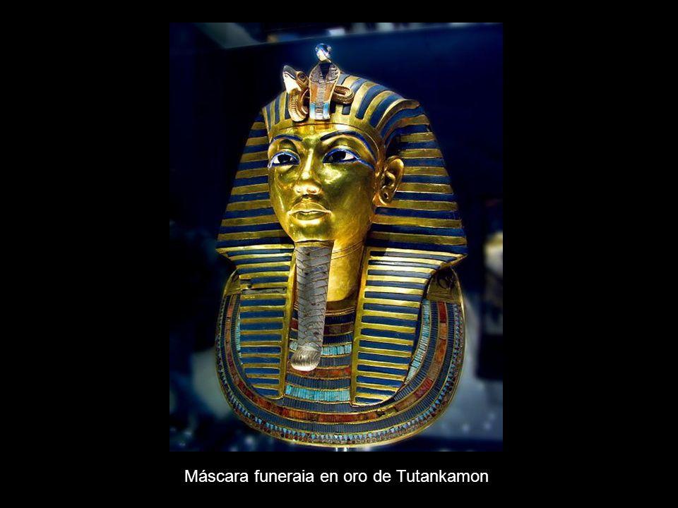 Máscara funeraia en oro de Tutankamon