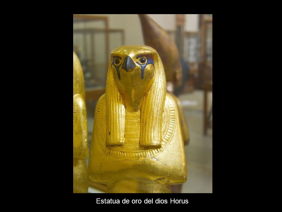 Estatua de oro del dios Horus