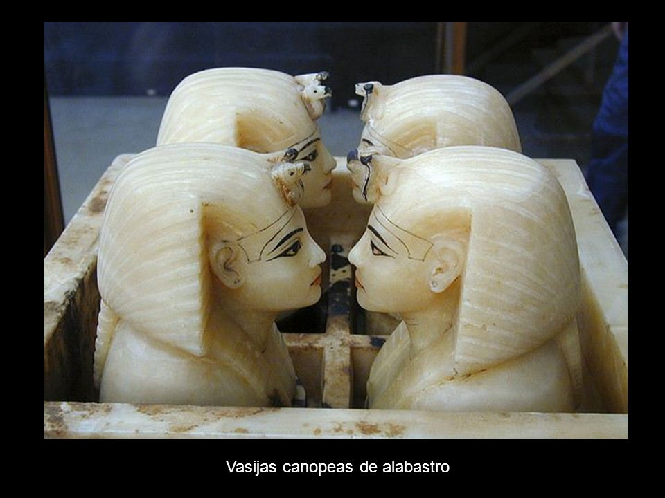 Vasijas canopeas de alabastro