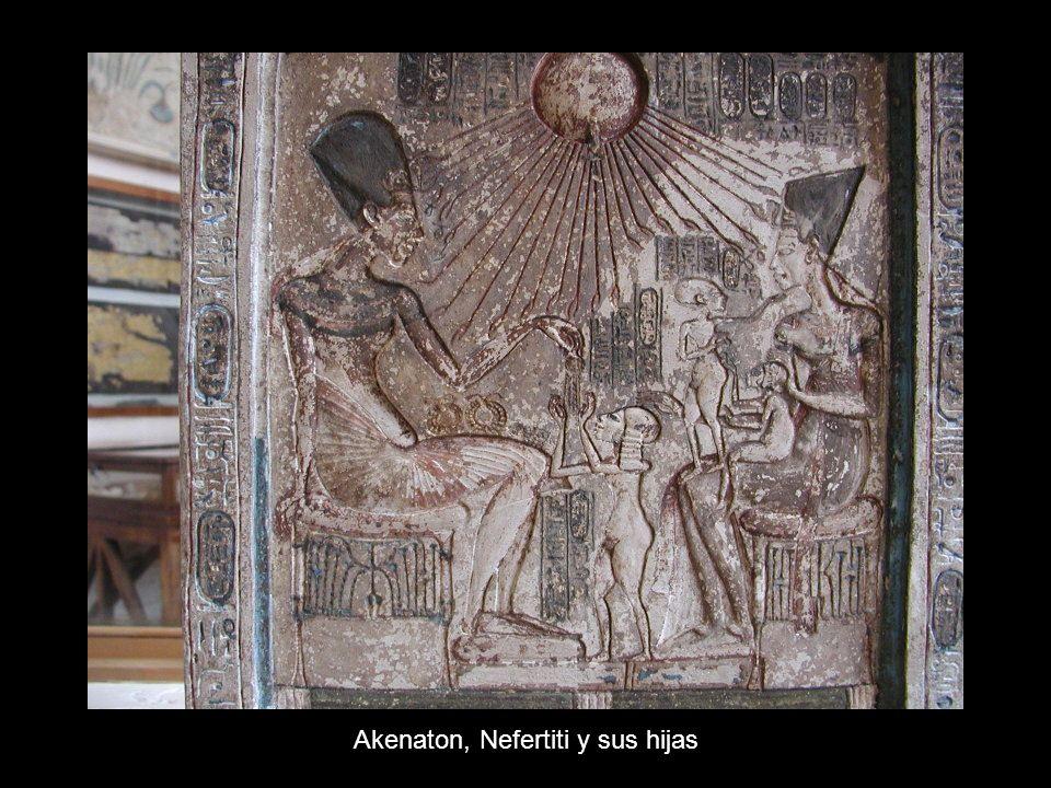 Akenaton, Nefertiti y sus hijas