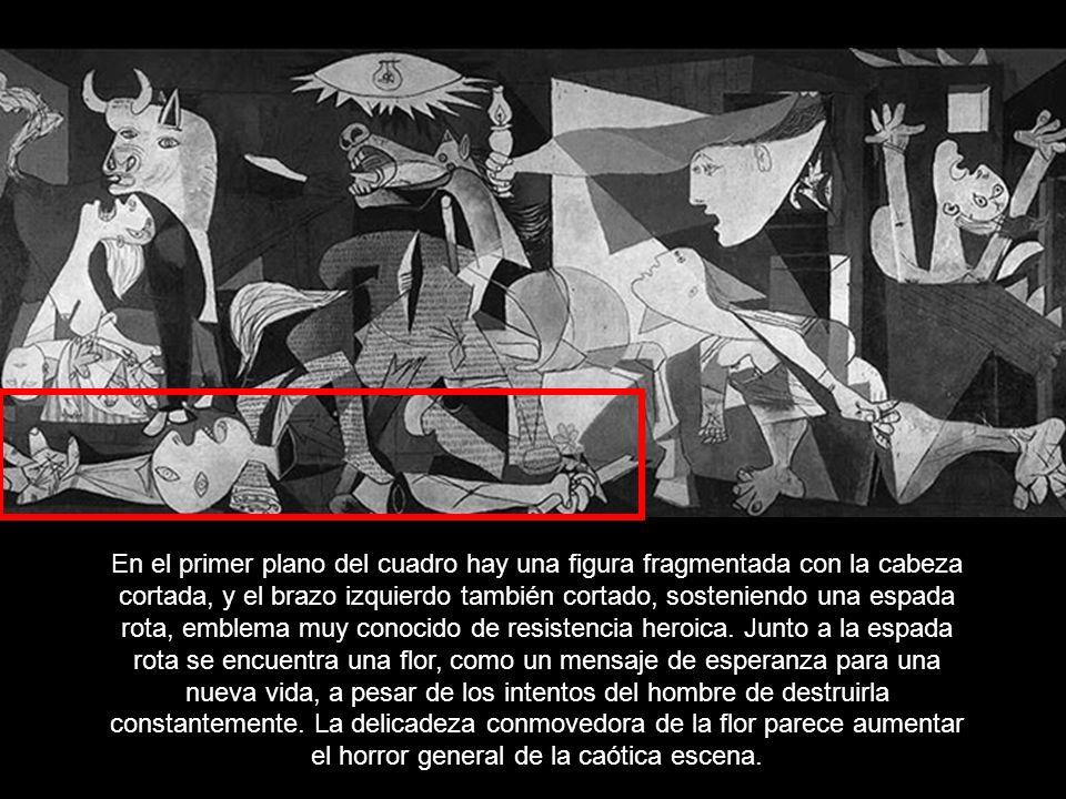 En el primer plano del cuadro hay una figura fragmentada con la cabeza cortada, y el brazo izquierdo también cortado, sosteniendo una espada rota, emblema muy conocido de resistencia heroica.
