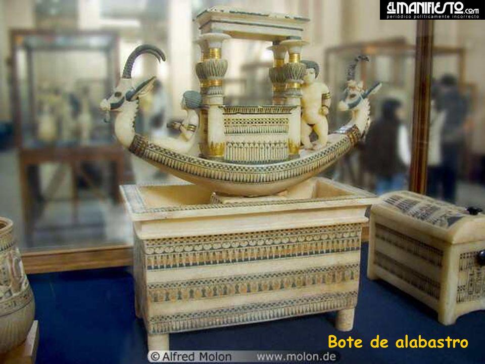 Alabaster boat Bote de alabastro