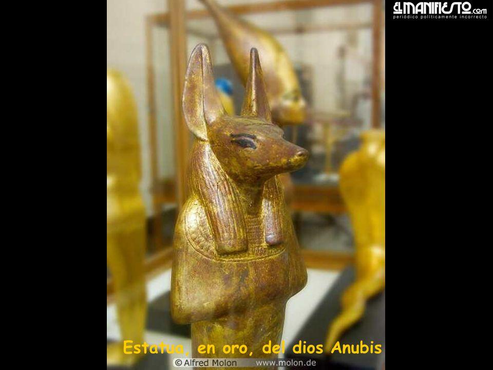 Estatua, en oro, del dios Anubis