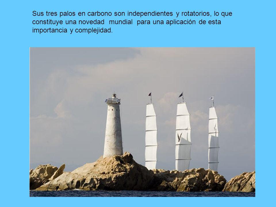 Sus tres palos en carbono son independientes y rotatorios, lo que constituye una novedad mundial para una aplicación de esta importancia y complejidad.