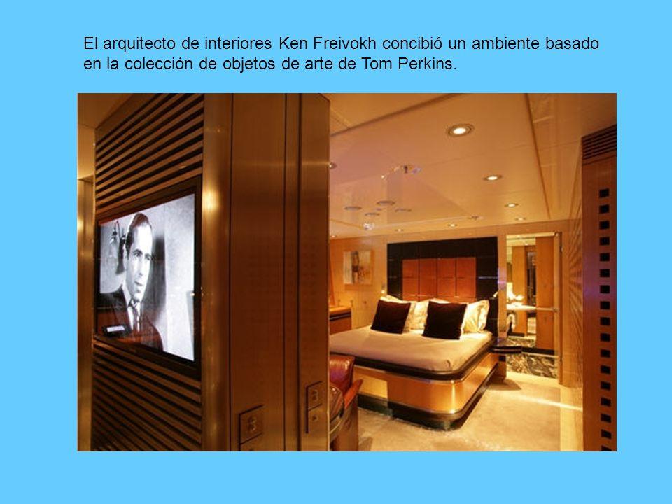 El arquitecto de interiores Ken Freivokh concibió un ambiente basado en la colección de objetos de arte de Tom Perkins.