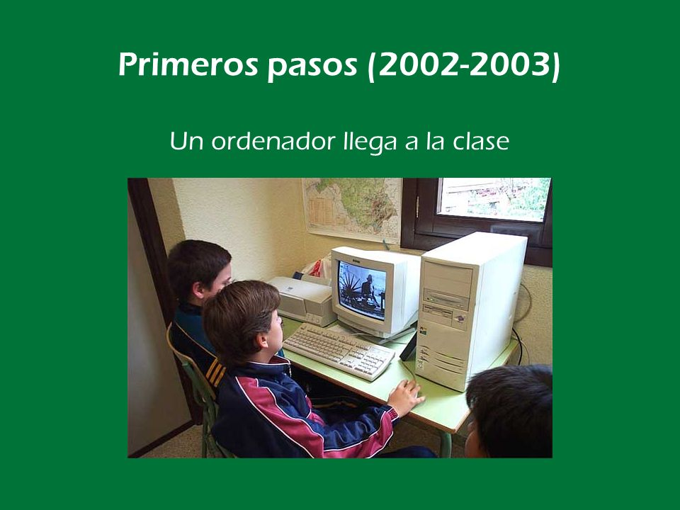 Un ordenador llega a la clase