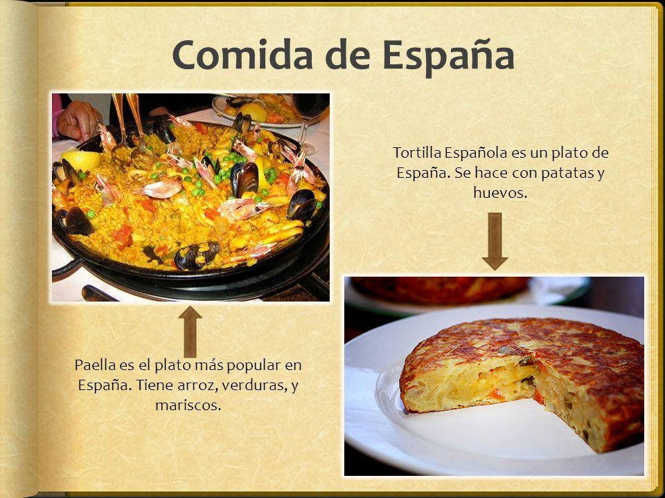 Tortilla Española es un plato de España. Se hace con patatas y huevos.