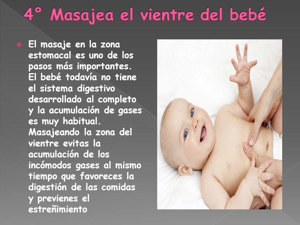 4° Masajea el vientre del bebé
