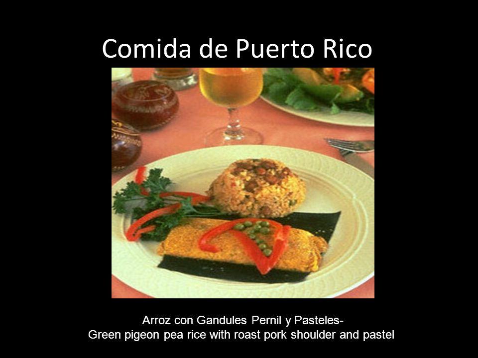 Comida de Puerto Rico Arroz con Gandules Pernil y Pasteles-