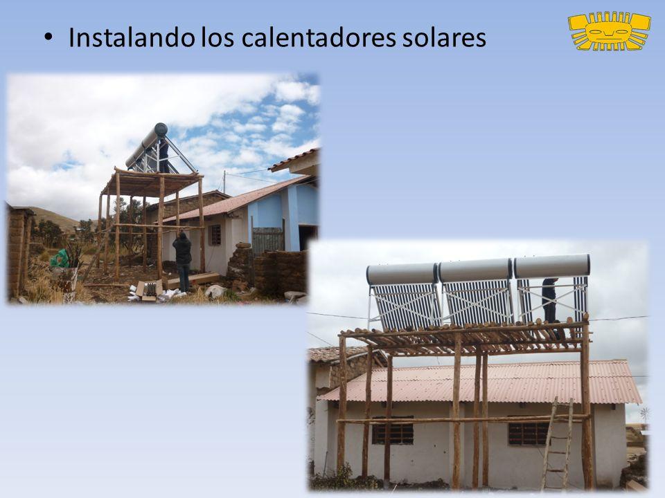 Instalando los calentadores solares