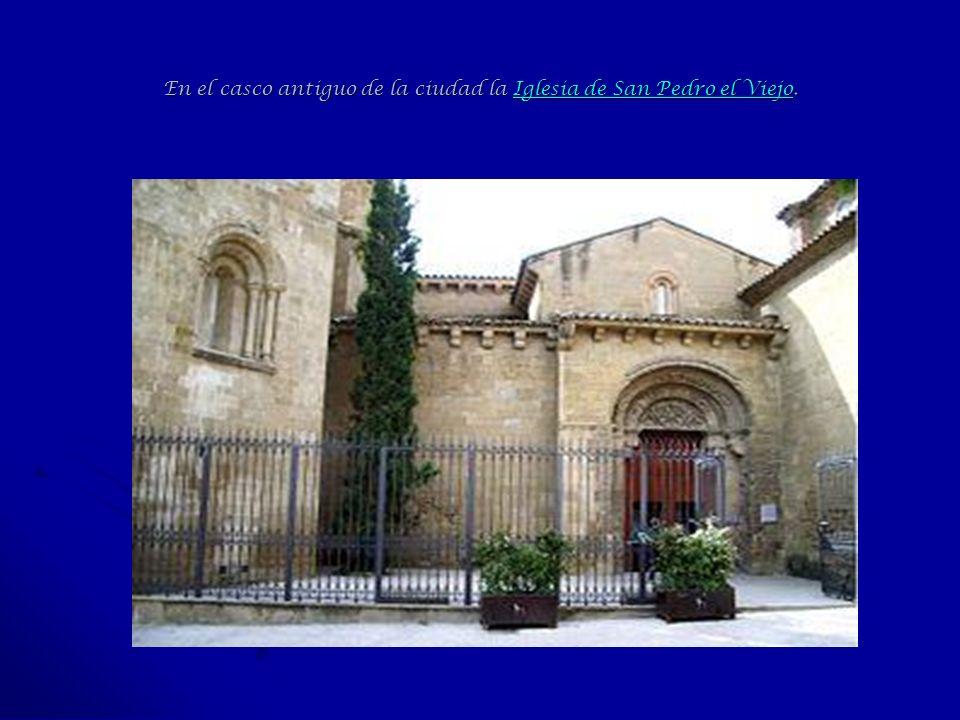 En el casco antiguo de la ciudad la Iglesia de San Pedro el Viejo.