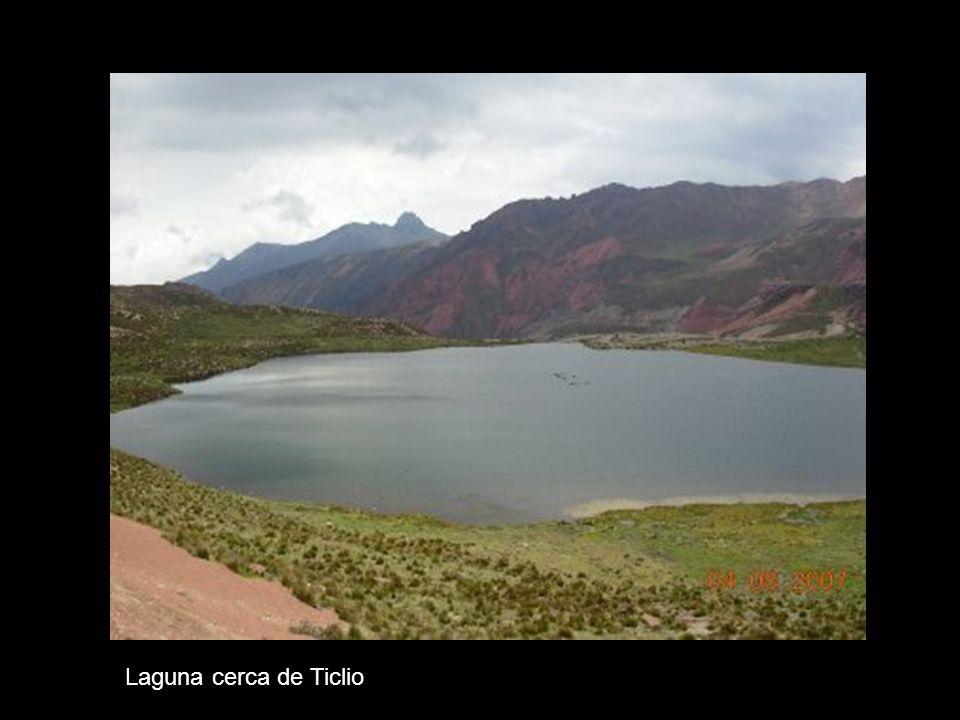 Laguna cerca de Ticlio