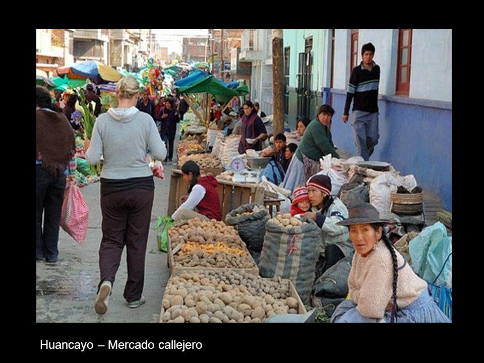 Huancayo – Mercado callejero