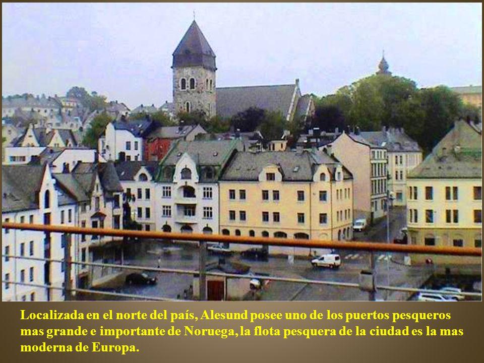 Localizada en el norte del país, Alesund posee uno de los puertos pesqueros mas grande e importante de Noruega, la flota pesquera de la ciudad es la mas moderna de Europa.