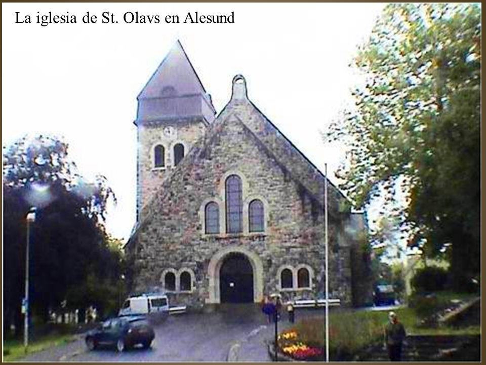 La iglesia de St. Olavs en Alesund