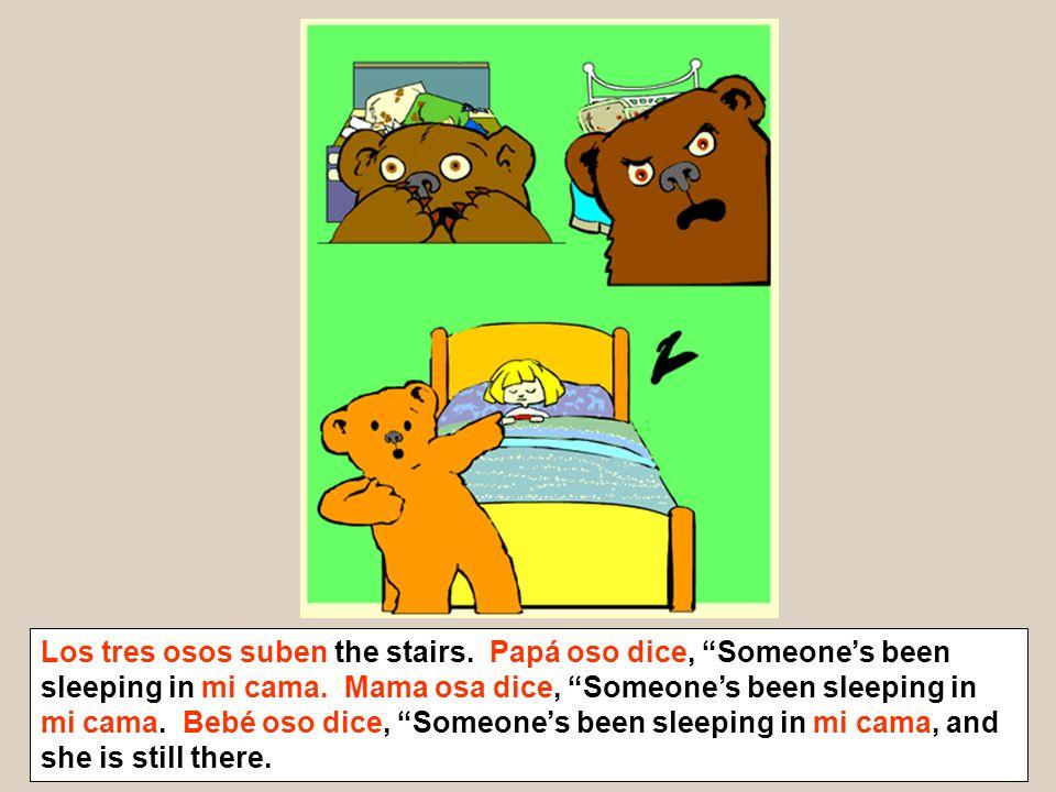 Los tres osos suben the stairs