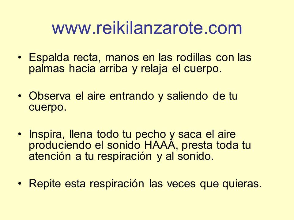 www.reikilanzarote.com Espalda recta, manos en las rodillas con las palmas hacia arriba y relaja el cuerpo.
