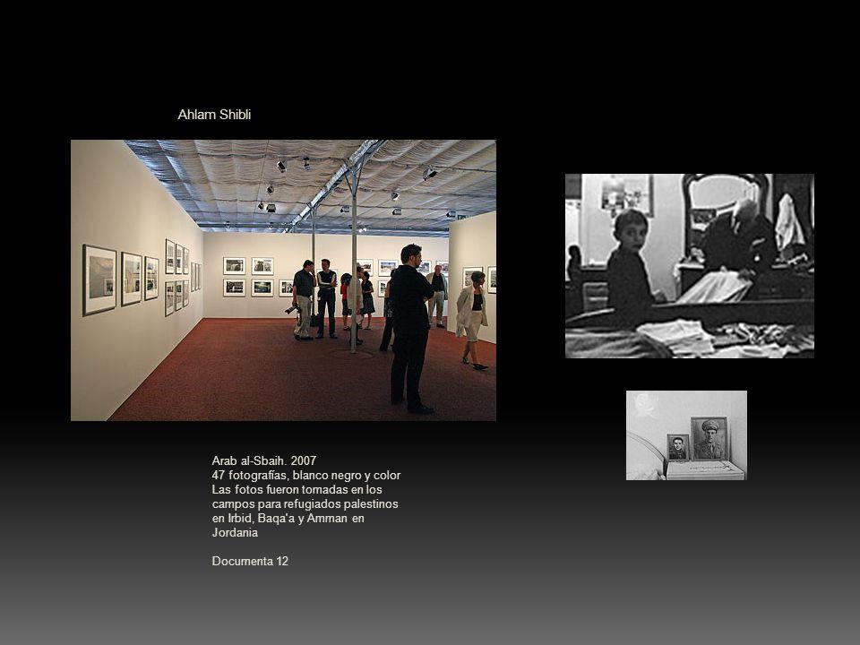 Ahlam Shibli Arab al-Sbaih. 2007 47 fotografías, blanco negro y color