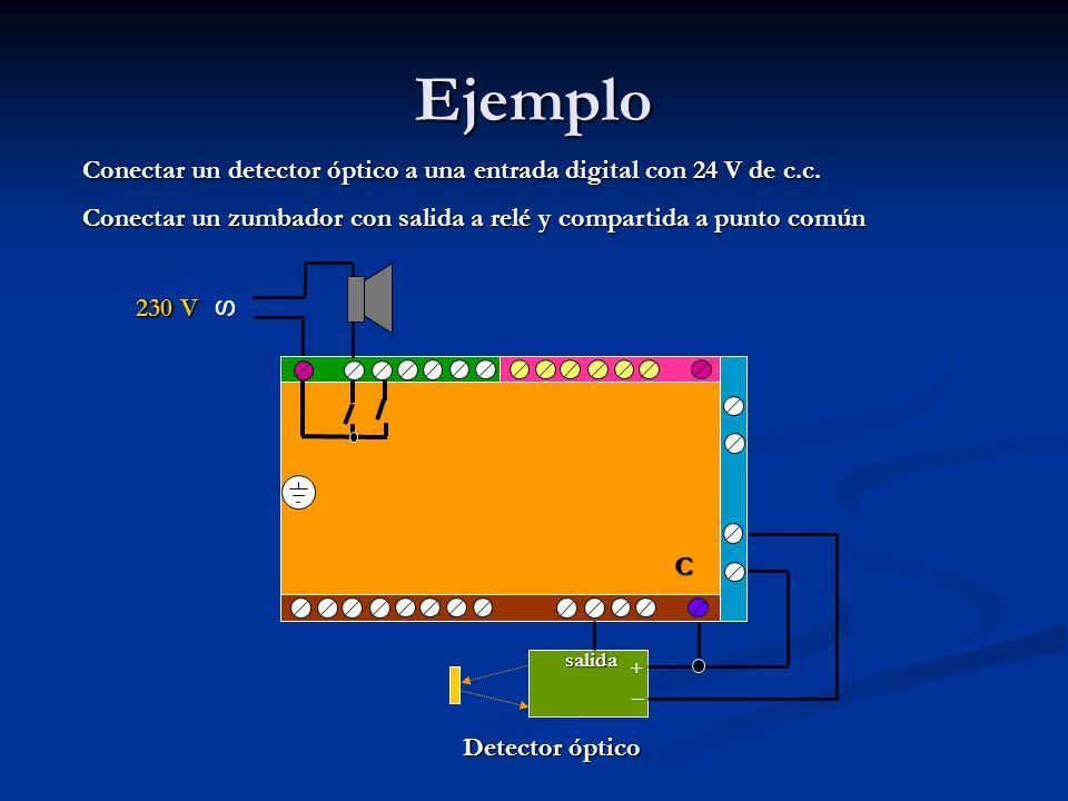 Ejemplo Conectar un detector óptico a una entrada digital con 24 V de c.c. Conectar un zumbador con salida a relé y compartida a punto común.